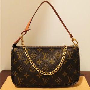 💯% Authentic Louis Vuitton Pochette Accessoires.